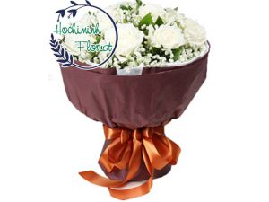 1 to 11 White Roses In Bouquet