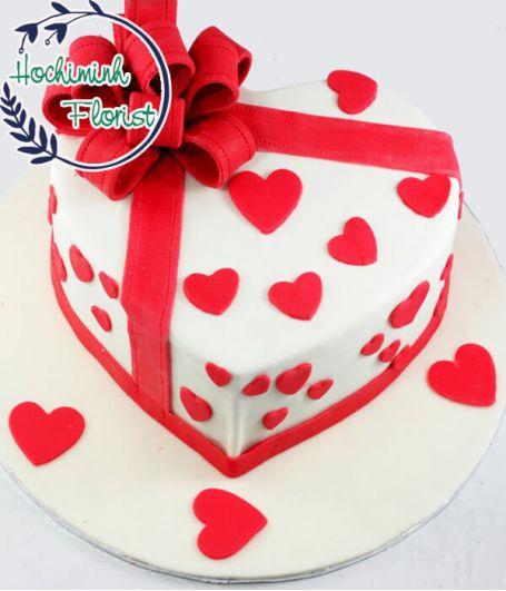 Customized Love Cake