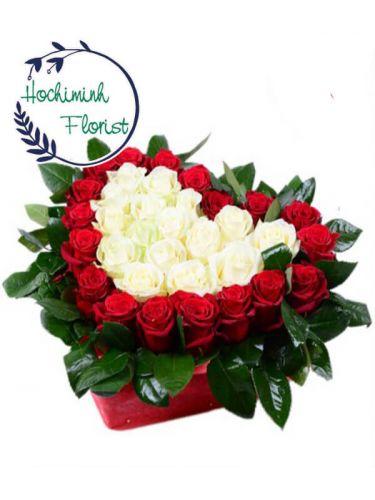 4 Dozen Mixed Roses In A Basket