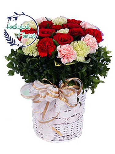 1 Dozen Mixed Carnations And Roses In A Basket