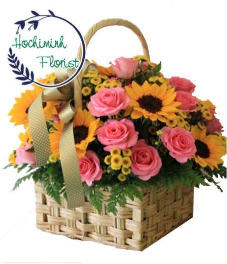 1 Dozen Pink Roses In Basket