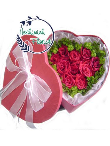 1 Dozen Pink Roses In A Box