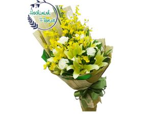 1 To 11 Yellow Lilies And Roses In A Bouquet
