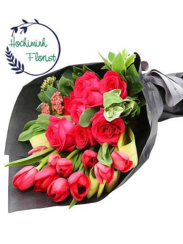 Red Tulips And Roses In A Bouquet