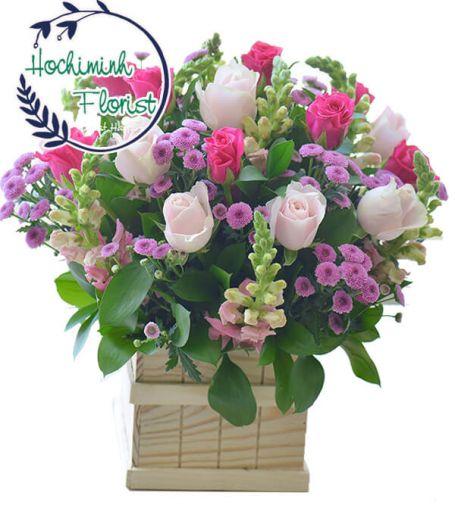 2 Dozen Mixed Roses in A Box